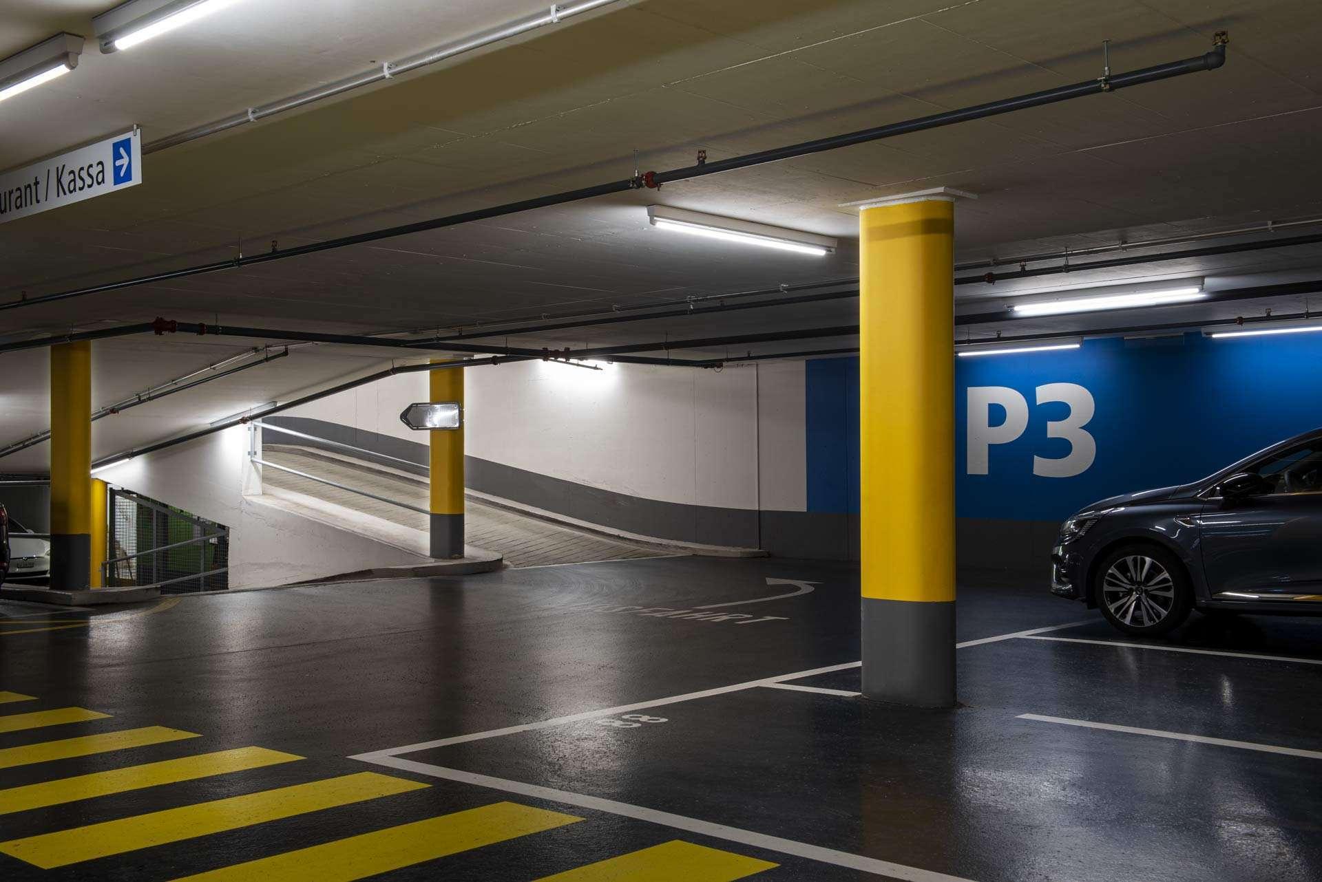 Die umweltfreundliche Beleuchtungslösung von LEDCity im Einsatz in einem Parkhaus
